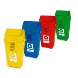 Lixeira plastica Basculante 50L(em cores ) *Arnildo