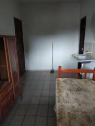 Alugo quartos e kitnets