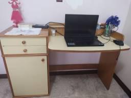 Mesa para escritório. ( Escrivaninha)