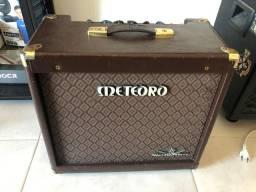 Amplificador Meteoro V8