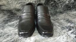 Sapato social barato, colado e costurado