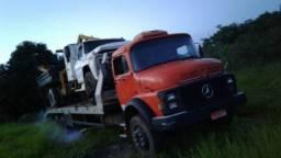 Caminhão Mercedes Plataforma