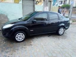 Fiesta.  Sedan.  1.6.  Com.  Gnv