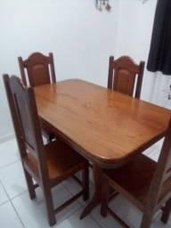 Conjunto mesa + 4 cadeiras em ANGELIM