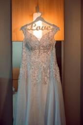 Vestido de noiva+saia de armação+véu(longo e curto)