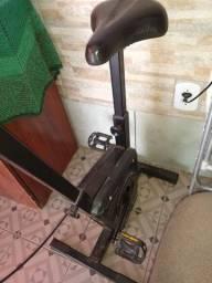 Título do anúncio: Vendo bicicleta ergométrica e esteira