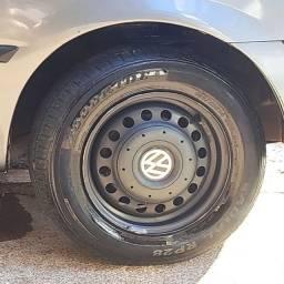Jogo rodas 14, 4x100 original VW com calotas Amarok, 4 bicos sem pneus.