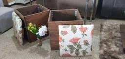 Baú púf de madeira com estampas floridas 250.00 cada unidade