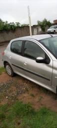 Vende-se um Peugeot