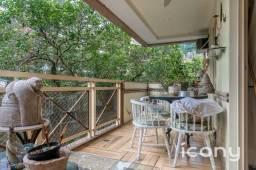 Título do anúncio: Apartamento com varanda em rua bucólica no Jardim Botânico