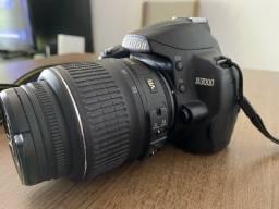 Nikon D3000 + lente do kit