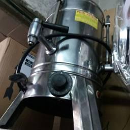 Máquina de café lts semi nova