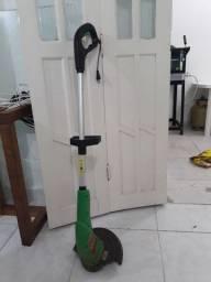 Máquina de cortar grama 180 reais