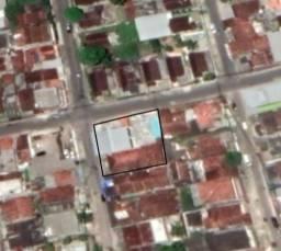 Área / Casa com 810m² camaragibe