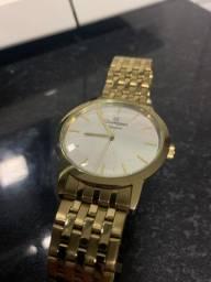 Relógio Champion dourado