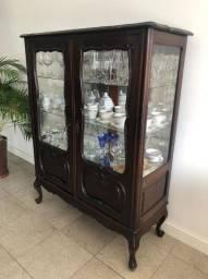 Vendo Cristaleira Antiga em ótimo estado de conservação! R$ 2.000