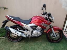 """Yamaha Fazer 250 cc """"Nova"""" 24 mil km"""" Pneus Novos + Relação Nova! Única Dona! - 2014"""
