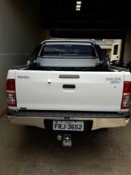 Toyota hilux cd4x4 svr - 2014