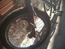 Estou vendo bike pneu aero original ,negócio