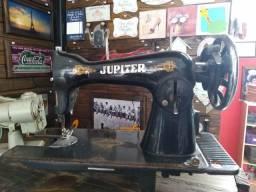 Máquina de costura antiga jupter