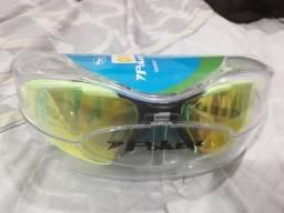 Óculos de natação espelhado