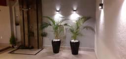 Vasos feitos sob encomenda com plantas naturais