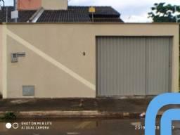Casa Residencial a venda no setor Caravelas, 3 quartos com suíte, blindex