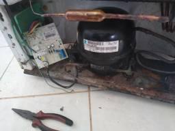 V placa e motor da geladeira Brastemp