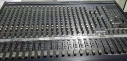 Mesa de som Profissional (Yamaha)
