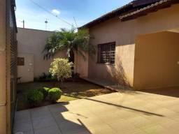 Casa com 150 metros // Próximo ao HU // Aceita permuta por imóvel de menor valor
