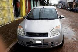 Fiesta sedan 1.0 2007/2008 super conservado - 2008