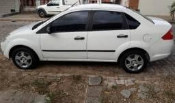 Vendo Fiesta Sedan - 2005