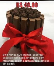 Bolo KitKat