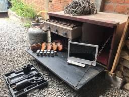 Caixa de comida, desforcimetro, tv para caminhão e mais