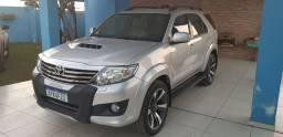Toyota Hilux sw4 srv 3.0 7 lugar