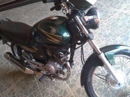 Vendo YBR 125 ano 2006 de partida moto top