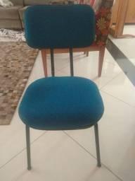 Cadeira estofada novinha