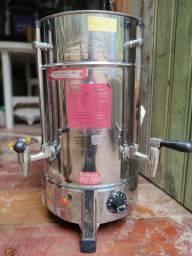 Cafeteira 4 litros conservar Muito boa
