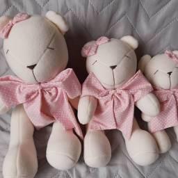 Ursinhas pelucia decoração quarto infantil