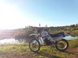 Título do anúncio: Vendo Yamaha dt180