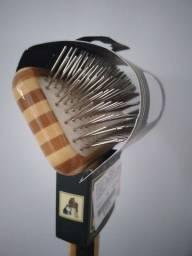 Escova de Bambu com Pinos (Formato Rasqueadeira)