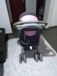Carrinho de bebê feminino (novinho)