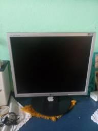 Computador usado poucas vezes