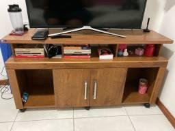 Rack TV com rodinhas