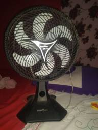 Vende-se um ventilador 220
