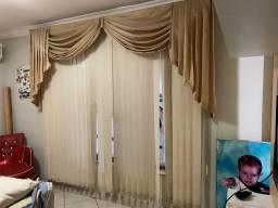 Cortina persiana com bandô de tecido 2,30x2,30m