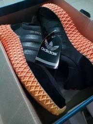 Tênis Adidas, novo, na caixa tamanho 41