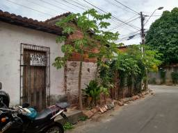 Casa a venda no centro de Caucaia