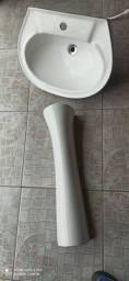 Pia banheiro com coluna