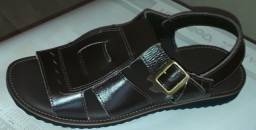 Sandália em couro franciscana